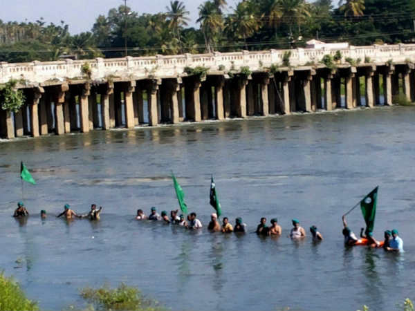 All Party Meating Decides To Seek Advice In Cauvery Issue