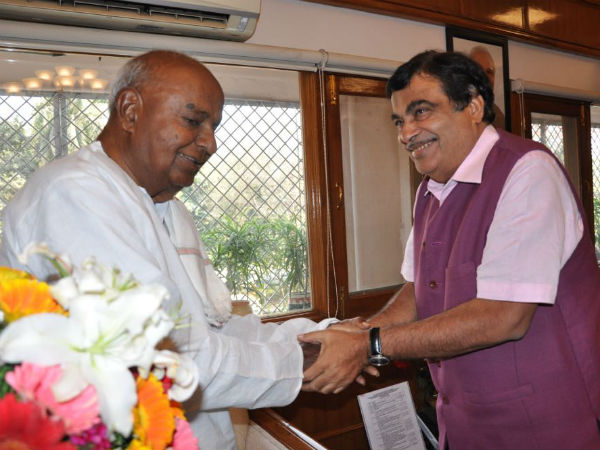 Devegowda urges Gadkari to file review petition on Cauvery verdict