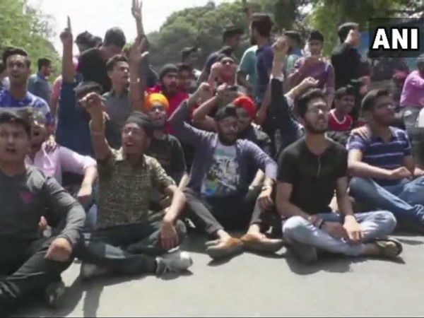 CBSE question paper leak: students protest in Delhi