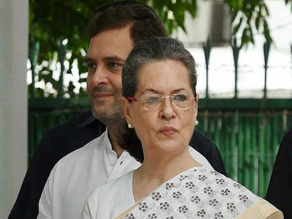 Sonia Gandhi rushed back to Delhi from Shimla