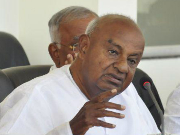 Devegowda express shock over attack on Lokayukta justice Shetty