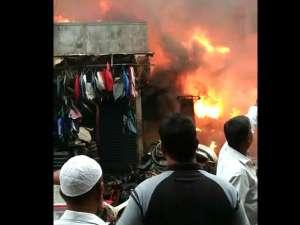 Fire in Bandar scrap shop- no casualties