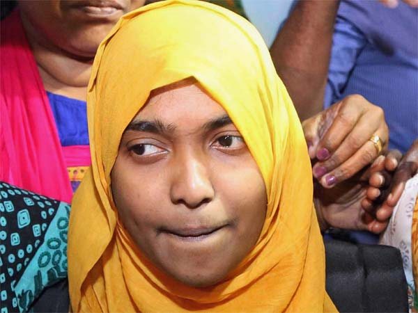 SC restores Hadiya marriage, tells NIA to continue probe into Love Jihad cases in Kerala