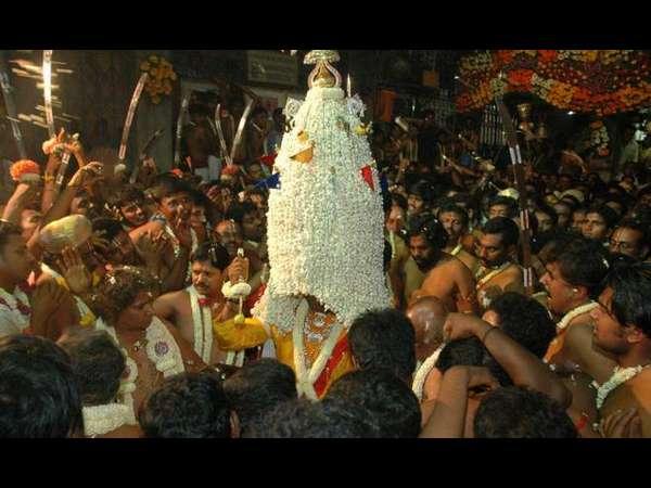 ಬೆಂಗಳೂರು ಕರಗ ಎಷ್ಟೊಂದು ಸುಂದರ, ಮಲ್ಲಿಗೆ ಹೂಗಳ ಉತ್ಸವ