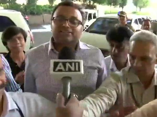 Delhi HC tells ED not to arrest Karti Chidambaram