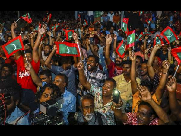 Maldives President lifts state of emergeny after 45 days