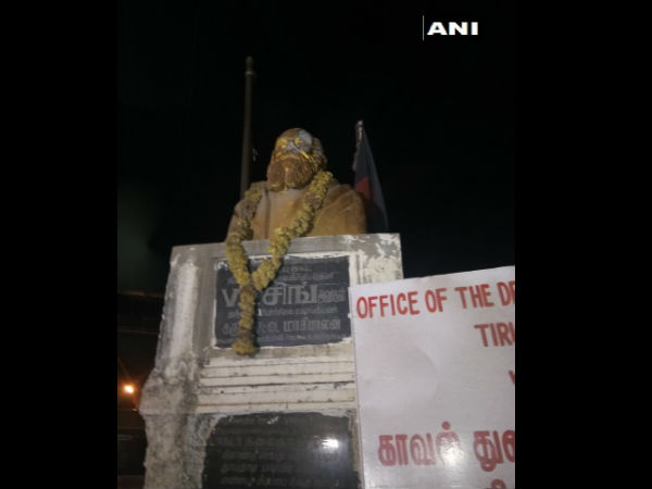Modi disapproves incidents of vandalism of statues