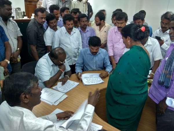 Hd Kumaraswamy Verbal Attack On Magadi Mla Hc Balakrishna