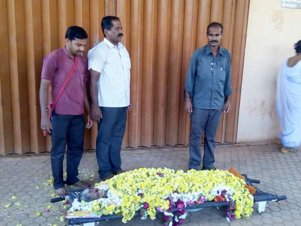 Unclaimed dead body of an elderly mother buried by social worker at Udupi
