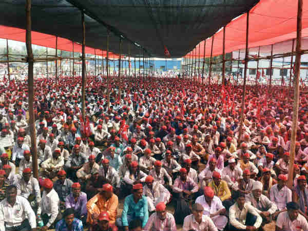 Survey: Kisan Long March: We have accepted most of their demands, says Devendra Fadnavis