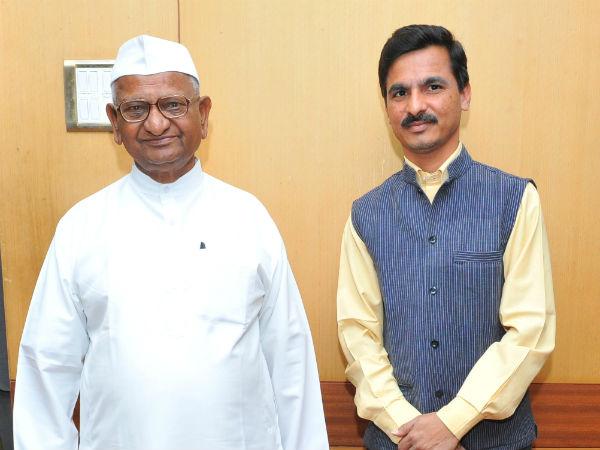 Rti Activitst Rajashekar Mualali To Do Padayatra Ballari To Bengaluru