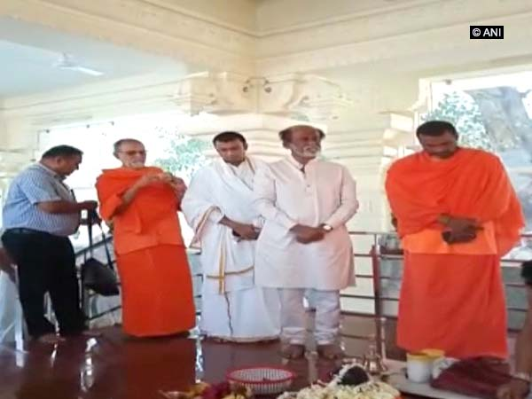 Rajinikanth offers prayers at Uttarakhand ashram