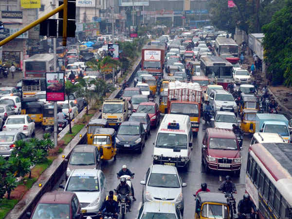 Over 70 lakh vehicles, only 3,400 traffic police
