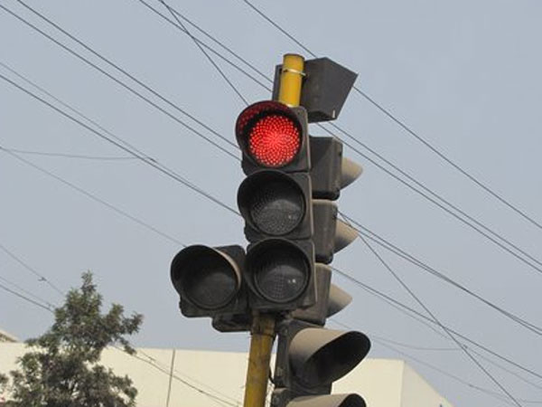 Govt has alloted funds to install timers at traffic signals