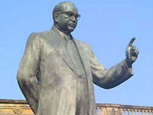 Dalits cleanse Ambedkar statue in Vadodara with milk after tributes by BJP leaders