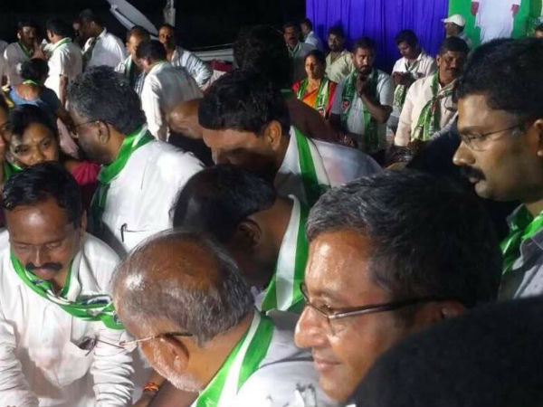 Tarikere Congress MLA GH Shrinivas joins JDS