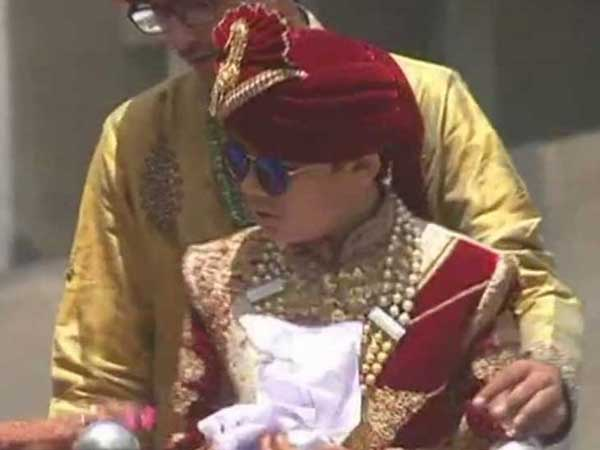 Surat Boy Son A Diamond Merchant Becomes Jain Monk