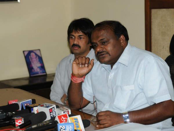 Kumaraswamy Loose Talks About Kallappa Handibhag Wife