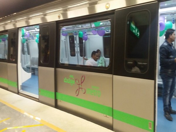 Poll code Wont red-light plan to add Metro coaches