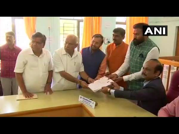 Siddaramaiah and Sriramulu files nomination in Badami