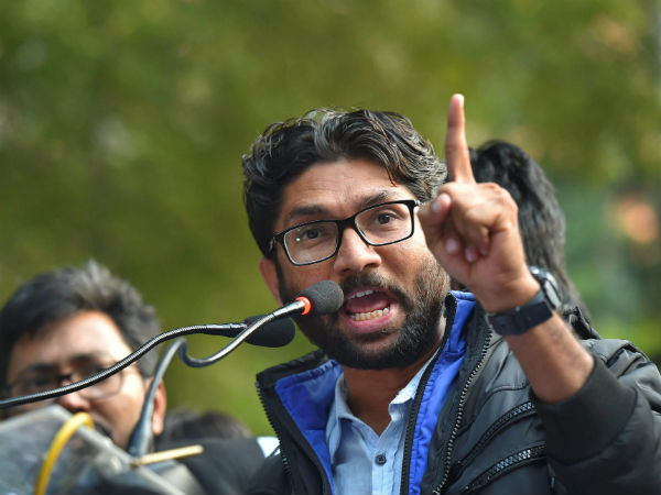 Karnataka election : Jignesh Mevani, Prakash Raj campaign against BJP
