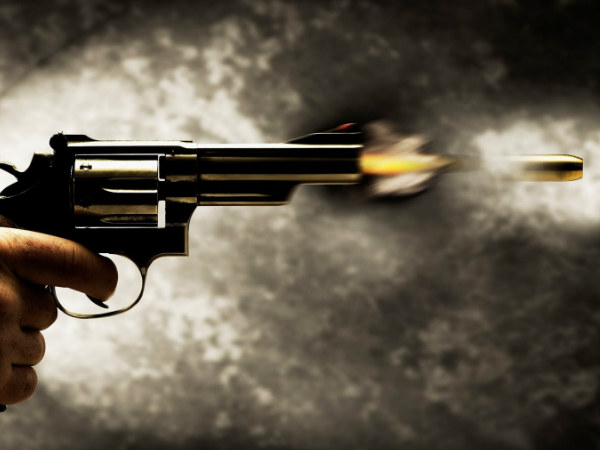 congress local leader shoots at BJP leader in Hoskote