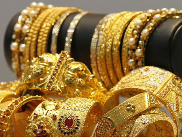 Gold prices rise to six-year high on festival season demand