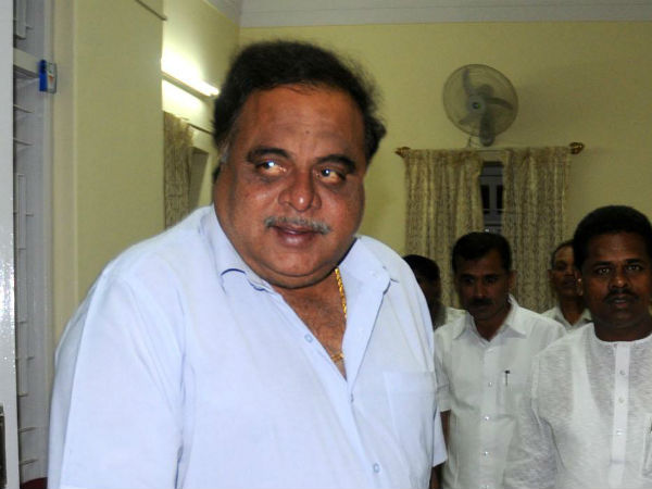 KCC tournament : Actor Ambareesh fall ill admitted to private hospital