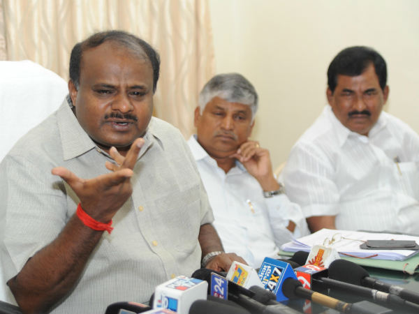 Kumaraswamy unhappy with governor decision of giving 15 days time prove majority