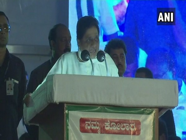 Karnataka Polls Mayawati Corners Congress Bjp Backs Jds
