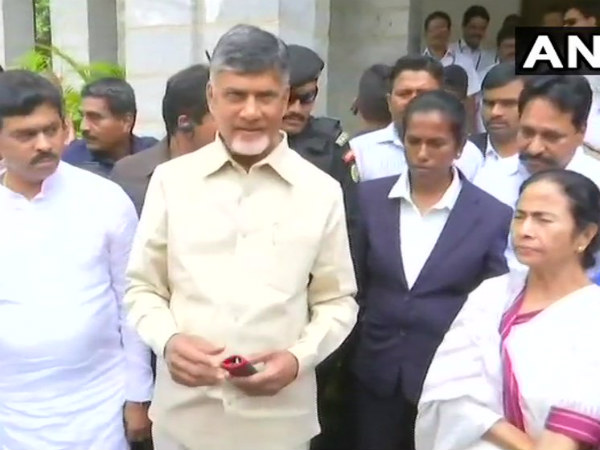 Karnataka Election results: Chandrababu Naidu and Mamata Banerjee arrive in Bengaluru