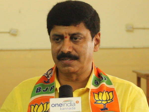 Hebbal BJP candidate Y.A.Narayanswamy scoled by jds party workers