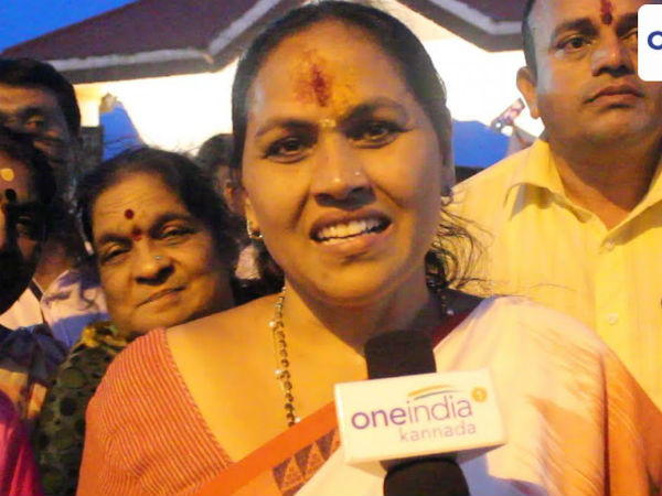 Shobha Karandlaje gives information about people stuck in Manasa Sarovara