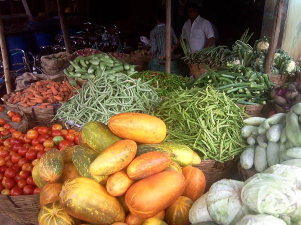 Vegetables price rising high expect onion