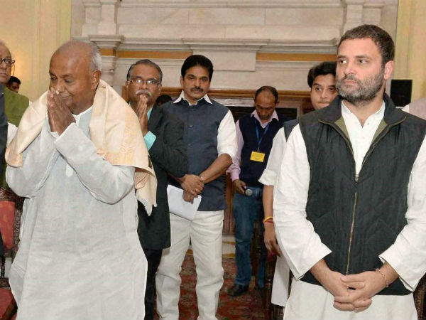 Deve Gowda traveling to Delhi today will meet congress high command