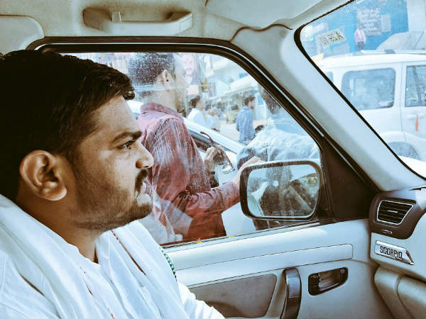 Eggs thrown at Hardik Patels car in Madhya Pradesh