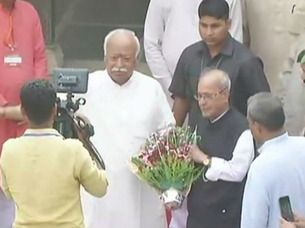 Pranab visits Hedgewar birthplace ahead of RSS speech