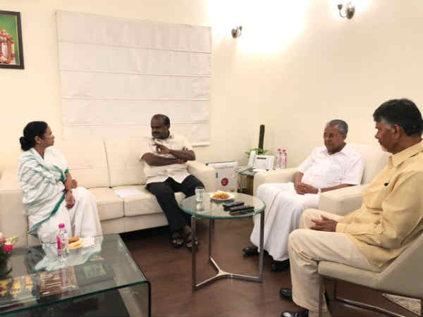 Karnataka CM Kumarawamy met CM of West Bengal, Andhra and Kerala in Delhi