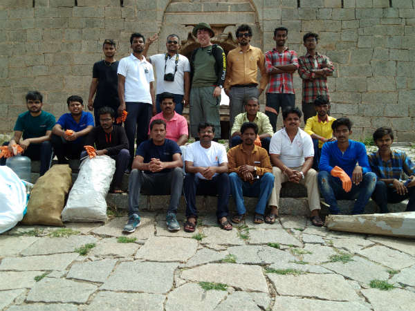 Yuva Brigade cleaning the interior of the Bellary ekashila hill fort.