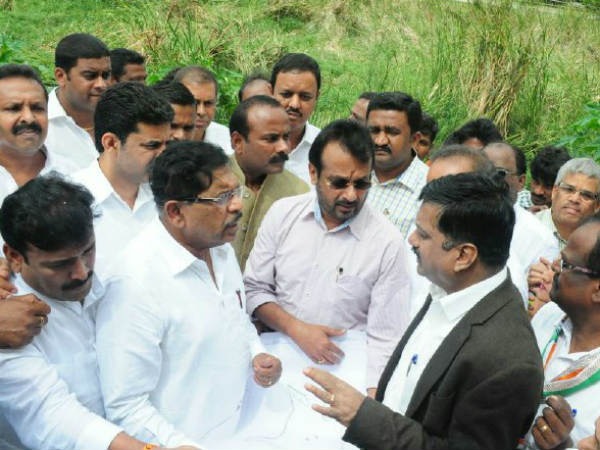 DCM inspects lake encroachment in Bengaluru