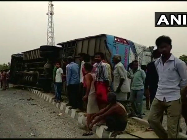 Uttar Pradesh: 17 dead,more than 35 injured in an accident