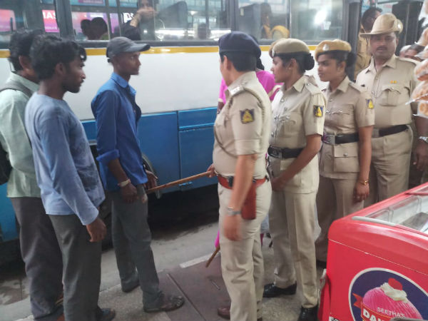 Women police in action majestic area, photos went viral