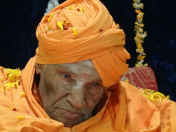 Siddaganga Swamiji Admitted To Hospital For Routine Checkup