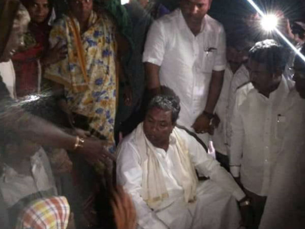 Badami MLA Siddaramaiah paid compensation to the deceased farmer family