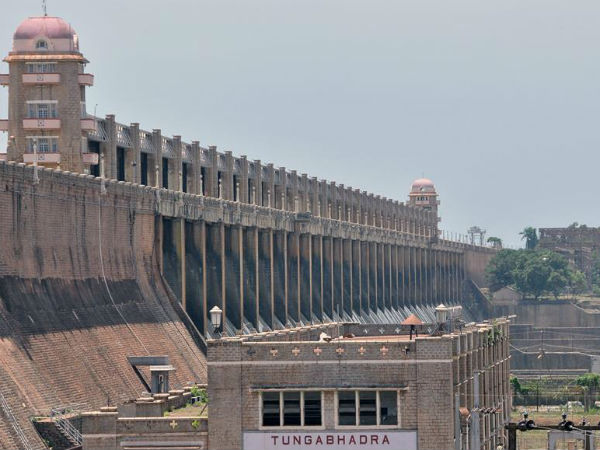 Tungabhadra dam received 3 TMC water in single day