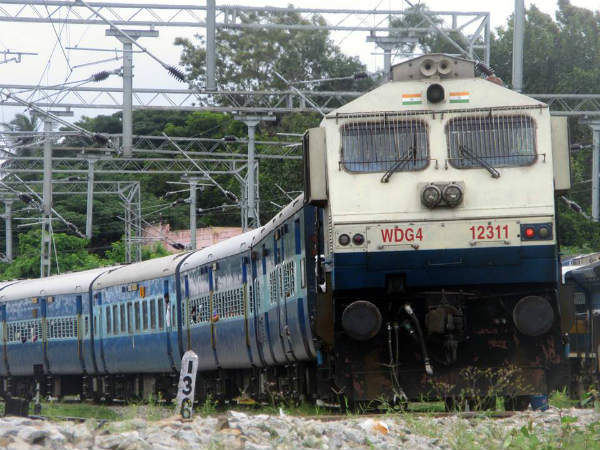Indian railways launch mobile application to complaint