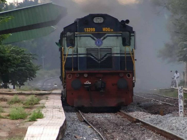 South Western Railway to fill 2500 D group post