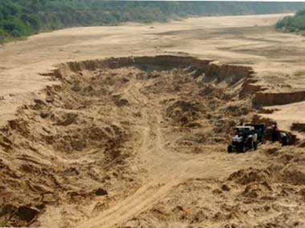 BJP MLA Maadhu Swamy request in house to act on Sand mafia