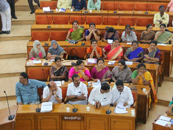 Corporator Roopa Lingesh feel down during council meeting