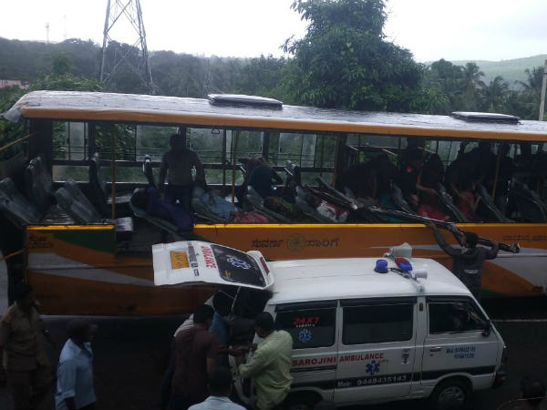 Tragic Bus Accident In Kumta 2 Died And 15 More Injured